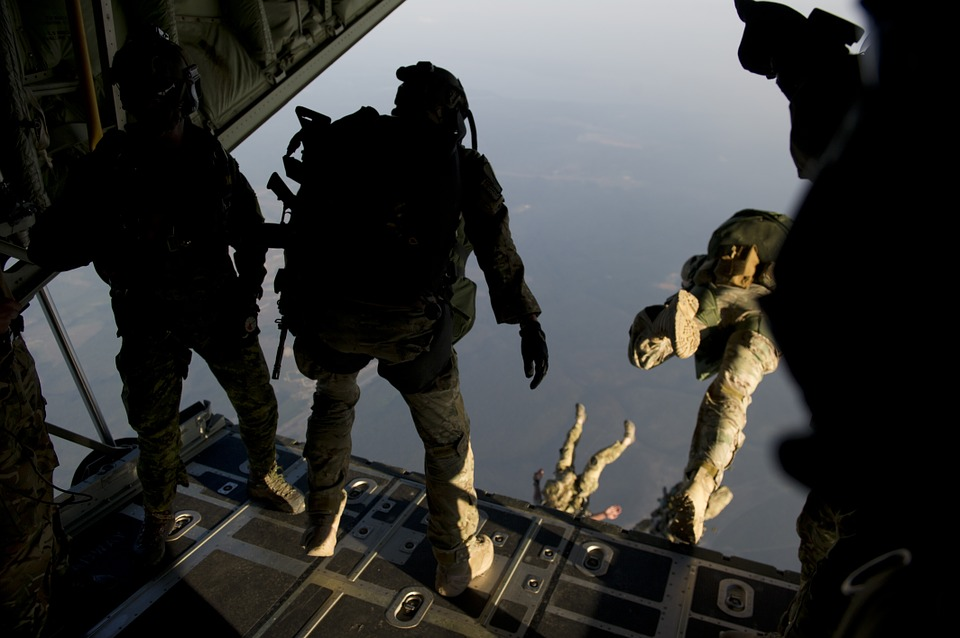 parachute 704411 960 720