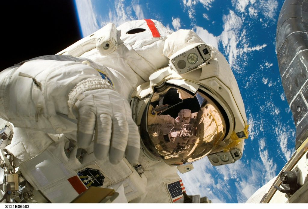astronaut 11080 1920